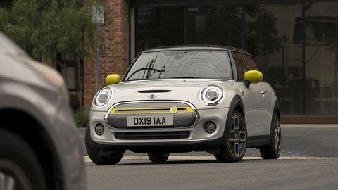 Land vehicle, Vehicle, Car, Mini, Motor vehicle, Mini cooper, City car, Mini e, Automotive design, Vehicle door,