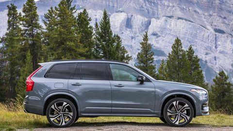 Land vehicle, Vehicle, Car, Automotive tire, Automotive design, Rim, Tire, Motor vehicle, Alloy wheel, Luxury vehicle,