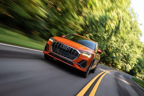Land vehicle, Vehicle, Car, Automotive design, Mode of transport, Grille, Sport utility vehicle, Performance car, Sky, Audi,