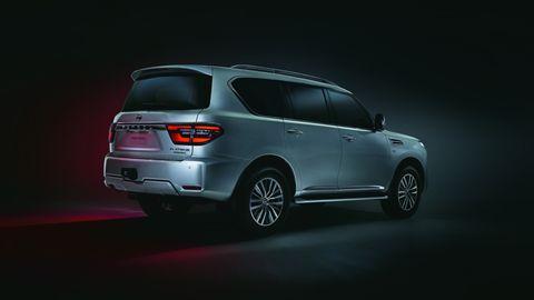Tire, Wheel, Automotive design, Product, Vehicle, Automotive lighting, Car, Automotive exterior, Glass, Crossover suv,