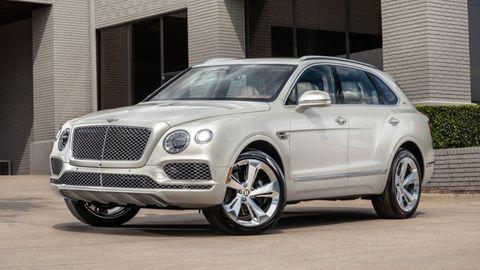 Land vehicle, Vehicle, Car, Motor vehicle, Luxury vehicle, Automotive design, Bentley, Rim, Sport utility vehicle, Wheel,