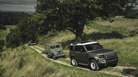 Land Rover revealed the latest-generationDefender at the 2019 Frankfurt motor show.