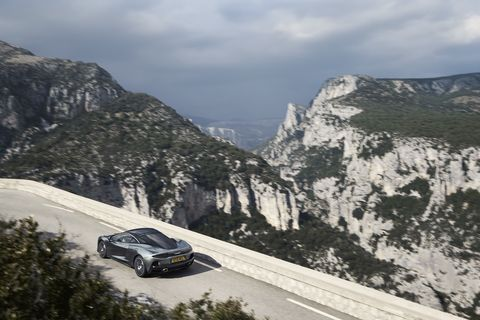 The new McLaren GT aims at continent-crossing comfort along with performance.