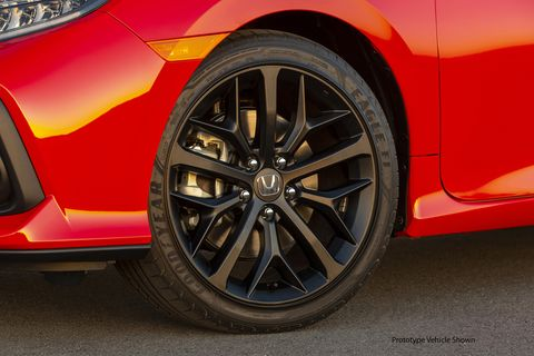 The 2020 Honda Civic Si's new blacked out 18-inch wheels