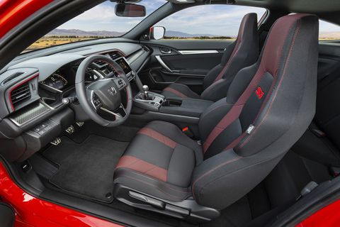 The red accents on the seats are new, the rest carries over from the 2017 Honda Civic Si