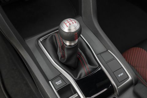 The one and only transmission in the Honda Civic Si is a glorious six-speed manual.