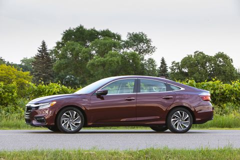 The 2019 Honda Insight looks pretty darn normal in profile, aside from the low-drag wheels, perhaps.