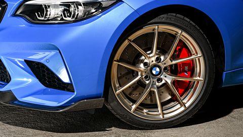Land vehicle, Alloy wheel, Vehicle, Car, Tire, Wheel, Rim, Automotive tire, Spoke, Auto part,