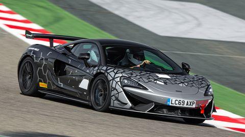The McLaren 620Rhas a seven-speed DCT.