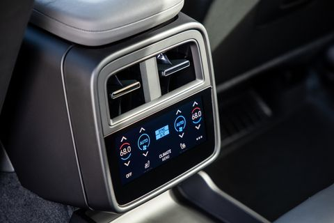 If you get the optional four-zone climate control, each rear passenger can choose temperature and direction of the flowing air.