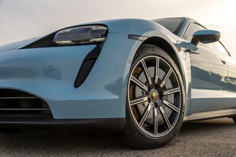These are aero wheels, according to Porsche.