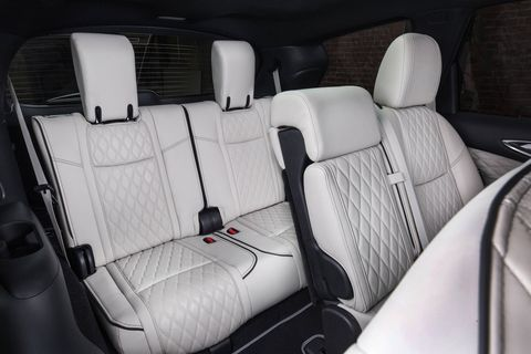 Upgraded trims of the 2019 Infiniti QX60 get quilted leather seats.