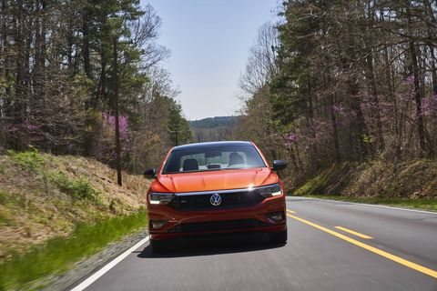 The 2019 Volkswagen Jetta R-Line only comes with a 1.4-liter turbo four. A six-speed manual is standard; an eight-speed automatic is optional.