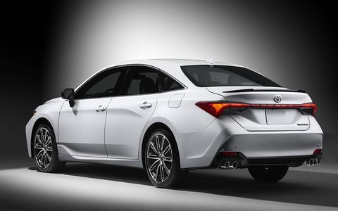 In Touring trim the Avalon features a honeycomb-patterned grille and front fascia.