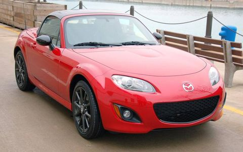 The Mazda MX-5 Special Edition includes black-painted wheels.