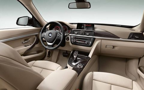 The instrument panel of the 2014 BMW 3-series GT.