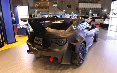 Tire, Wheel, Automotive design, Vehicle, Car, Rim, Performance car, Alloy wheel, Fender, Personal luxury car,