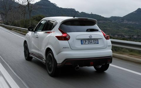 The exterior of the Juke NISMO will be Sapphire black, Brilliant silver or Pearl white and will feature red pinstripes zipping their way from the front to the rear of the car.