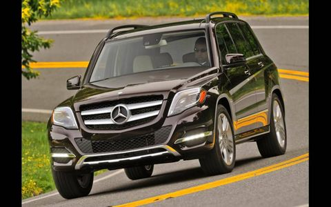 Fuel economy numbers for the 2013 Mercedes-Benz GLK350 are 19 mpg in the city and 25 mpg on the highway.