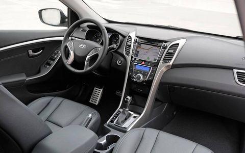 The instrument panel of the Hyundai Elantra GT.