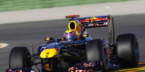Tire, Wheel, Automotive tire, Mode of transport, Automotive design, Open-wheel car, Vehicle, Formula one tyres, Automotive wheel system, Formula one car,