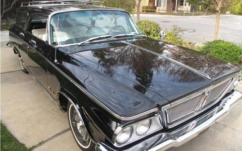 According to the seller, the chrome and gold trim is in excellent condition.