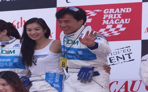 He only drives when it's rush hourANSWER: Jackie Chan