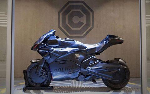 The 2014 reboot has RoboCop riding a redesigned Kawasaki Z1000.