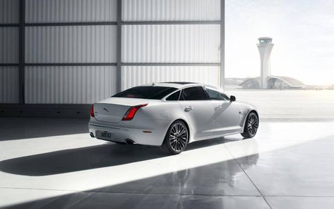 This 2013 Jaguar XJ 3.0 Supercharged sports a set of 20-inch Kasuga wheels.
