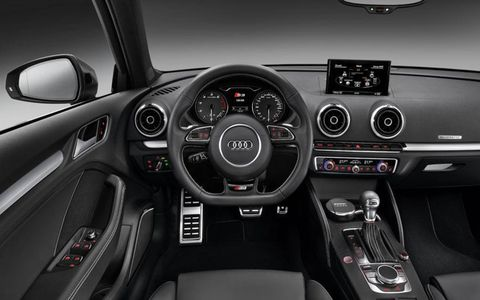 The instrument panel of the Audi S3 Sportback.