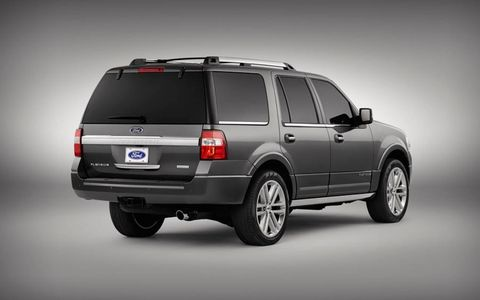 The 2015 Ford Expedition and its full-size SUV cousin, the Lincoln Navigator, lose V8 power -- the 3.5-liter Ecoboost V6 is the only available engine.