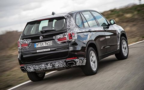 The X5 eDrive uses a modified version of BMW's existing 2.0-liter direct-injection turbo four developing 241 hp and 258 lb ft of torque. The 94 hp electric motor has 184 lb ft of torque and is mounted inside the gearbox housing.