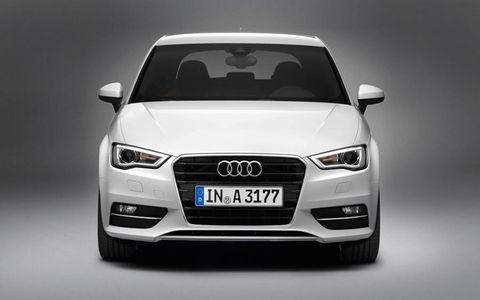 Motor vehicle, Automotive design, Product, Vehicle, Automotive exterior, Grille, Automotive mirror, Headlamp, Car, Glass,