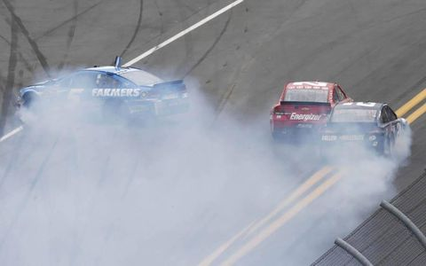 Kasey Kahne spins out, taking a few cars with him during the Daytona 500.