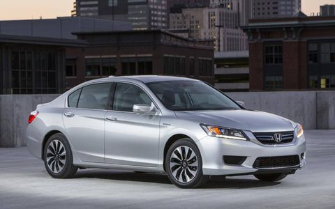 We are glad the  exterior of the 2014 Honda Accord Hybrid doesn't scream hybrid.
