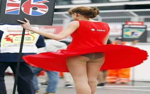 ...I see this grid girl's underpants!