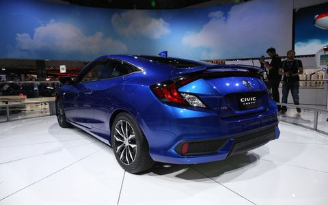 The rear evokes a little bit of CR-Z or CR-X perhaps, yes?