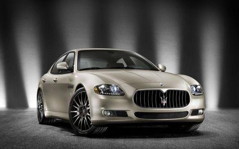 Automotive design, Vehicle, Car, Grille, Hood, Automotive lighting, Personal luxury car, Rim, Luxury vehicle, Headlamp,