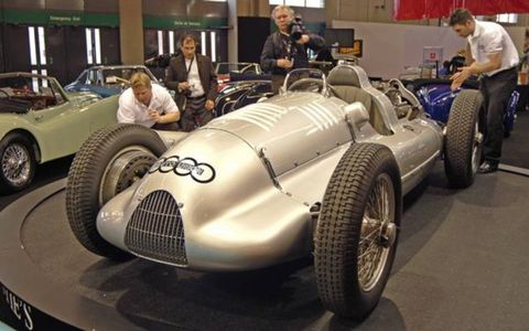 Uniting car clubs, skids of automobilia, auction house tents and hoardes of rare auto parts under one roof makes Paris' Rétromobile an awe-inspiring mess.