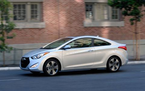 Fuel economy for the 2013 Hyundai Elantra SE coupe is 27 mpg in the city and 37 mpg on the highway.