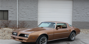"""This Firebird Formula 400 is wearing a Firebird Esprit disguise. It was one of three such cars used in the filming of """"The Rockford Files"""" from 1978 to 1980 -- and it could be yours."""