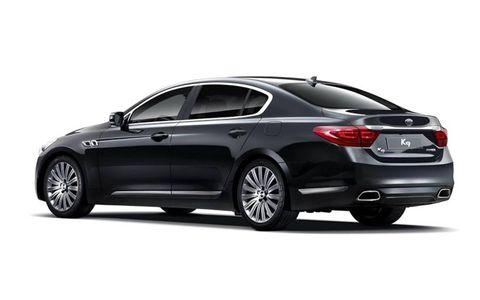 Tire, Wheel, Automotive design, Vehicle, Alloy wheel, Rim, Car, Automotive lighting, Spoke, Full-size car,