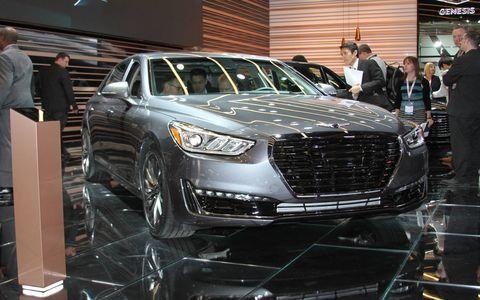 2017 Hyundai Genesis G90 at the Detroit auto show