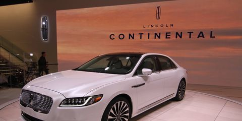 The production version of the 2017 Lincoln Continental debuted at the Detroit auto show on Tuesday.