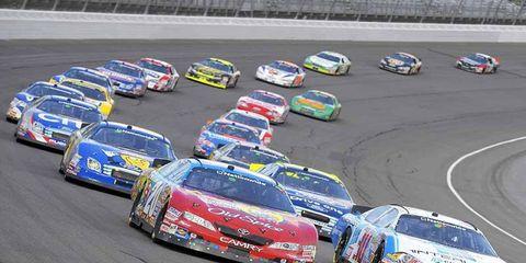 Vehicle, Land vehicle, Motorsport, Car, Automotive design, Race track, Sports car racing, Racing, Touring car racing, Auto racing,