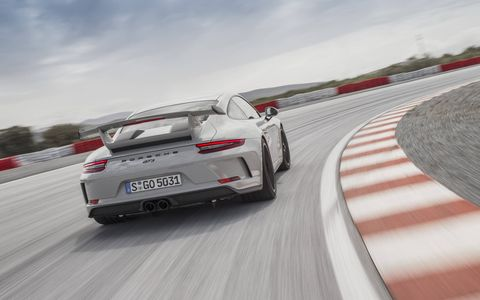 The carbon rear wing – a characteristic, iconic feature of Porsche GT sports cars – is situated about one inch higher in the air flow than on the predecessor model, generating greater downforce.