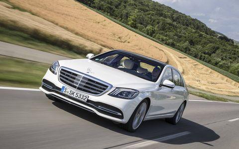 Land vehicle, Vehicle, Car, Luxury vehicle, Automotive design, Personal luxury car, Mid-size car, Mercedes-benz, Full-size car, Grille,