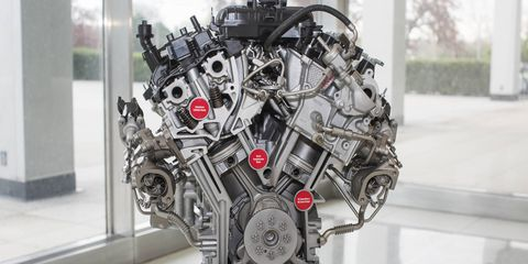 The all-new 3.5-liter EcoBoost engine comes with direct and port fuel injection, which is available in the 2017 Ford F-150.