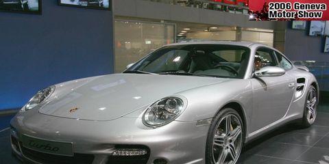 Wheel, Automotive design, Vehicle, Land vehicle, Car, Rim, Alloy wheel, Fender, Automotive lighting, Performance car,