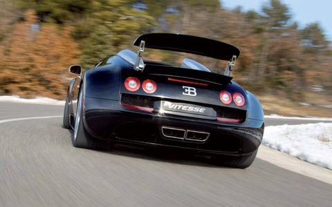 Automotive design, Mode of transport, Vehicle, Automotive lighting, Performance car, Car, Automotive exterior, Supercar, Bumper, Sports car,